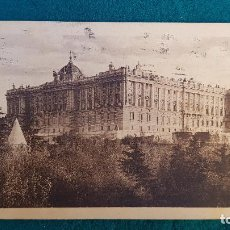 Postales: POSTAL PALACIO REAL DE MADRID (1935). Lote 236245450
