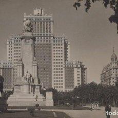 Postales: POSTAL FOTOGRAFIA MADRID - EDIFICIO ESPAÑA - MONUMENTO A CERVANTES - QUIJOTE Y SANCHO. Lote 240389475