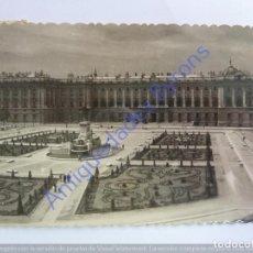 Postales: MADRID. PLAZA DE ORIENTE Y PALACIO NACIONAL. GARRABELLA. Nº 111. Lote 243956980