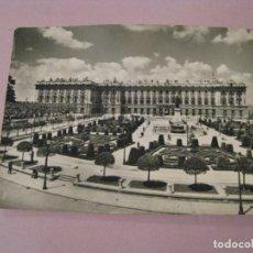 Postales: POSTAL DE MADRID. PLAZA DE ORIENTE Y PALACIO REAL. DOMINGUEZ Nº 17. ESCRITA.. Lote 245468630