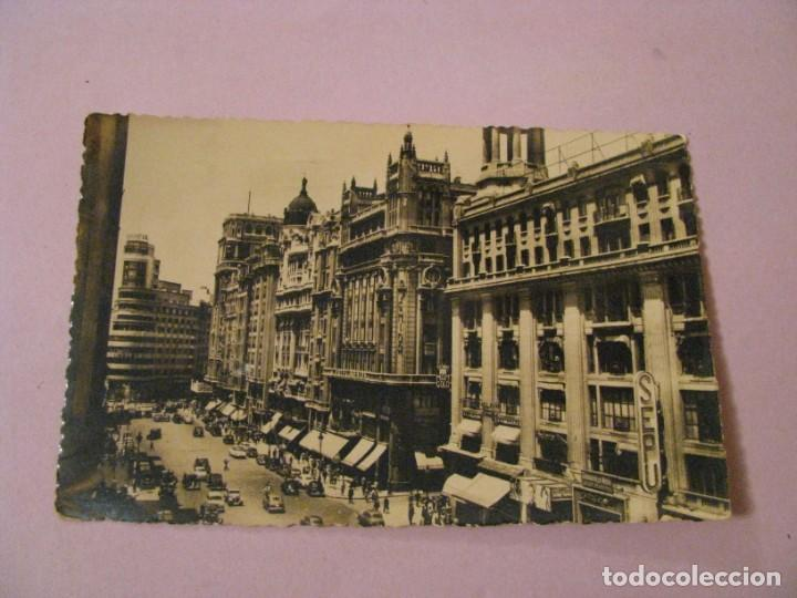 POSTAL DE MADRID. AVENIDA DE JOSE ANTONIO. HELIOTIPIA ARTISTICA ESPAÑOLA. 36. CIRCULADA. (Postales - España - Madrid Moderna (desde 1940))