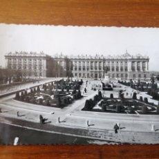 Postales: POSTAL MADRID PLAZA DE ORIENTE. Lote 260625895