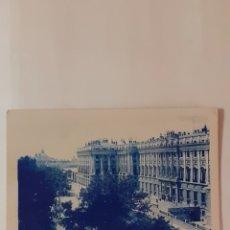 Postales: POSTAL DE MADRID. PALACIO REAL. GRAFOS 198.. Lote 261851345