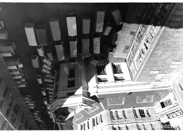 Postales: MADRID. 1970 EDIFICIO DE CORREOS. REPORTAJE FOTOGR´FAICO CON 28 FOTOGRAFÍAS DE 18 X 12,5 CMS. - Foto 7 - 262260295