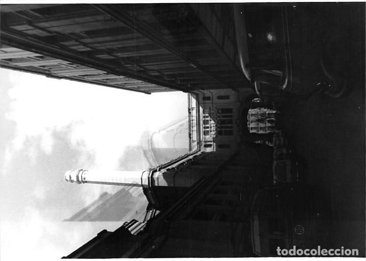 Postales: MADRID. 1970 EDIFICIO DE CORREOS. REPORTAJE FOTOGR´FAICO CON 28 FOTOGRAFÍAS DE 18 X 12,5 CMS. - Foto 12 - 262260295