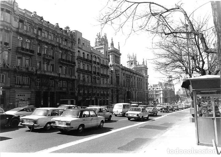 Postales: MADRID. 1970 EDIFICIO DE CORREOS. REPORTAJE FOTOGR´FAICO CON 28 FOTOGRAFÍAS DE 18 X 12,5 CMS. - Foto 19 - 262260295