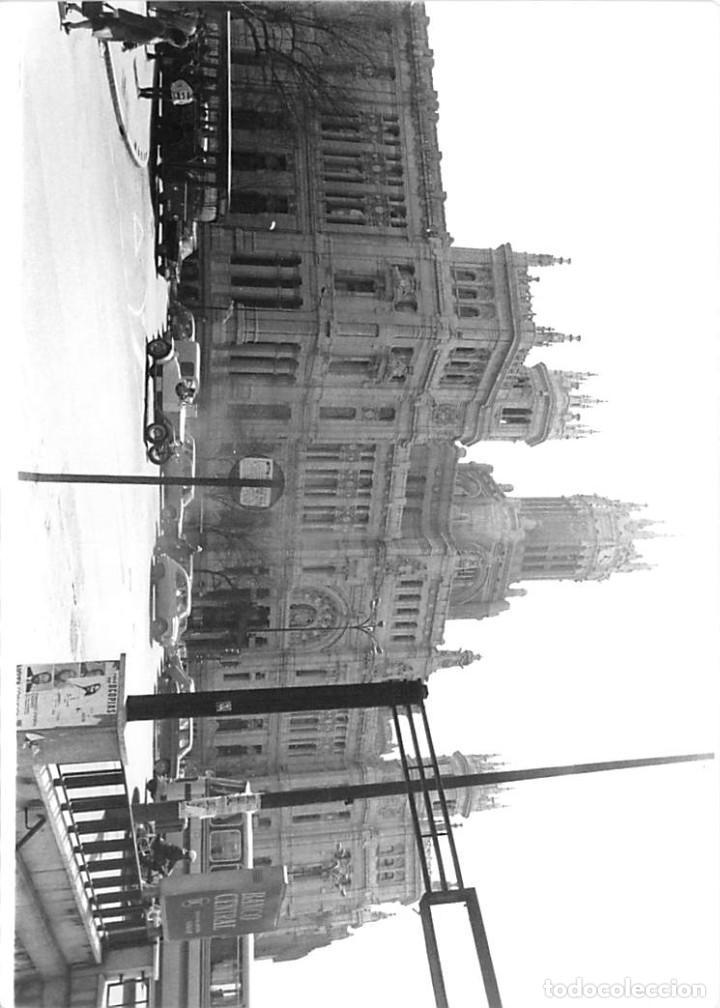 Postales: MADRID. 1970 EDIFICIO DE CORREOS. REPORTAJE FOTOGR´FAICO CON 28 FOTOGRAFÍAS DE 18 X 12,5 CMS. - Foto 20 - 262260295