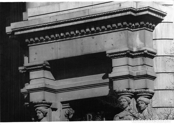 Postales: MADRID. 1970 EDIFICIO DE CORREOS. REPORTAJE FOTOGR´FAICO CON 28 FOTOGRAFÍAS DE 18 X 12,5 CMS. - Foto 22 - 262260295