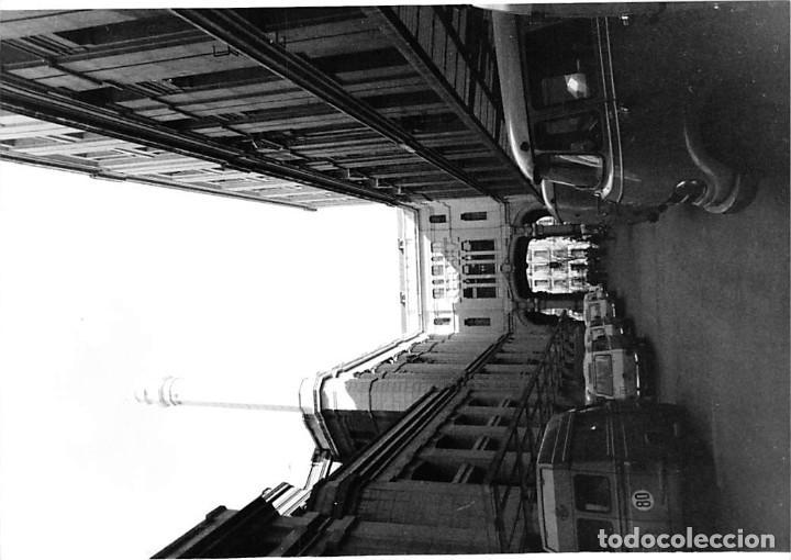 Postales: MADRID. 1970 EDIFICIO DE CORREOS. REPORTAJE FOTOGR´FAICO CON 28 FOTOGRAFÍAS DE 18 X 12,5 CMS. - Foto 25 - 262260295