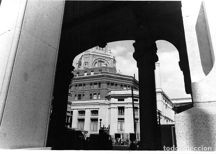 Postales: MADRID. 1970 EDIFICIO DE CORREOS. REPORTAJE FOTOGR´FAICO CON 28 FOTOGRAFÍAS DE 18 X 12,5 CMS. - Foto 28 - 262260295