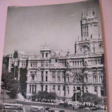 Postales: POSTAL FOTOGRAFICA DE MADRID. CIBELES Y PALACIO DE COMUNICACIONES. ED. DOMINGUEZ. CIRCULADA 1959.. Lote 268954304