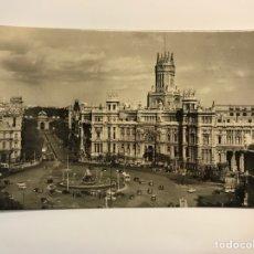 Postales: MADRID. POSTAL NO.120, PALACIO DE COMUNICACIONES. EDIC.POSTAL MADRID (H.1960?) DEDICADA. Lote 270527293