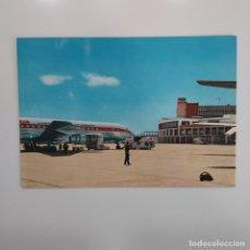 Postales: POSTAL MADRID AEROPUERTO DE BARAJAS. ESCRITA SIN CIRCULAR 1966. AVION, IBERIA, PISTA ATERRIZAJE. Lote 276061178