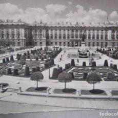Postales: MADRID - PLAZA DE ORIENTE Y PALACIO REAL. Lote 277655438