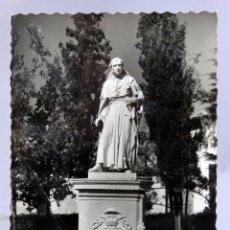 Cartoline: POSTAL ALCALÁ DE HENARES MONUMENTO AL CARDENAL CISNEROS GARCÍA GARRABELLA CIRCULADA SELLO 1961. Lote 286458863