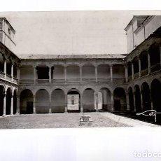 Cartoline: ALCALA DE HENARES.- CLAUSTRO DEL PALACIO OBISPAL. HOY ARCHIVO. Lote 287134518