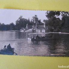 Postales: POSTAL FOTOGRÁFICA DE MADRID. EL RETIRO. ESTANQUE. F. MOLINA.. Lote 289620353