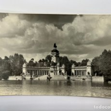 Postales: MADRID POSTAL NO. A 30, MONUMENTO A ALFONSO XII EN EL RETIRO., EDIC., CIMER (A.1961) CÍRCULADA... Lote 295613608