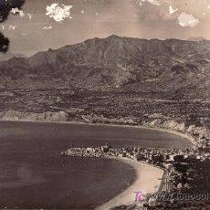 Postales: VISTA PANORAMICA DE BENIDORM.CIRCULADA 1957. Lote 24231977