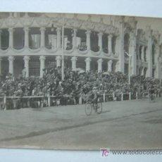 Postales: VALENCIA - EXPOSICION REGIONAL VALENCIANA AÑO 1909 - POSTAL FOTOGRAFICA - CARRERA CICLISTA. Lote 9920526