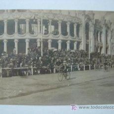 Postales: VALENCIA - EXPOSICION REGIONAL VALENCIANA AÑO 1909 - POSTAL FOTOGRAFICA - CARRERA CICLISTA. Lote 9909988