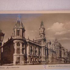 Postales: VALENCIA. AYUNTAMIENTO. CIRCULADA, ESCRITA Y CON SELLO DE 30 CTS DE LA 2ª REPÚBLICA (3-4-35). Lote 27470654