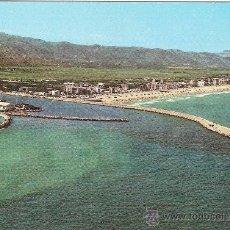 Postales: GANDIA (VALENCIA), VISTA PANORAMICA PLAYA Y PUERTO - A SUBIRATS - CIRCULADA. Lote 32045598