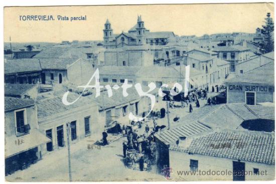 PRECIOSA POSTAL - TORREVIEJA (ALICANTE) - VISTA PARCIAL - MUY AMBIENTADA (Postales - España - Comunidad Valenciana Antigua (hasta 1939))
