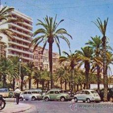 Postales: ALICANTE POSTAL PLAYA DEL POSTIGUET AL FONDO EL RABAL ROIG CON AÑO 1961, SE VEN COHES DE EPOCA. Lote 36947738