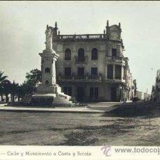 Postales: VINAROZ (CASTELLÓN).- CALLE Y MONUMENTO A COSTA Y BORRÁS. Lote 38839978