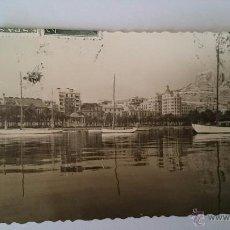 Postales: POSTAL ALICANTE PUERTO VISTA PARCIAL - CIRCULADA 1956. Lote 48700000
