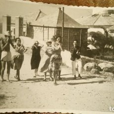 Postales: ANTIGUA FOTOGRAFÍA. FARO DE CULLERA. VALENCIA. GRUPO DE AMIGOS. FOTO AÑOS 50.. Lote 66865830