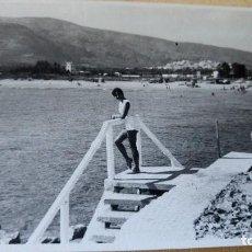 Postales: ANTIGUA FOTOGRAFÍA. PLAYA DE OROPESA. CASTELLÓN. FOTO AÑOS 60. . Lote 76599411