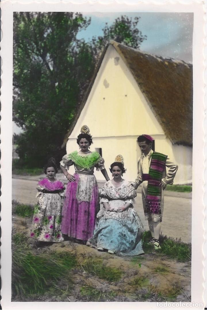 TIPOS REGIONALES EN LA HUERTA. VALENCIA. (COMUNIDAD VALENCIANA). ED. CRIS - ADAM Nº 148 (Postales - España - Comunidad Valenciana Moderna (desde 1940))