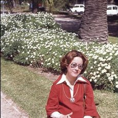 Postales: DIAPOSITIVA ESPAÑA VALENCIA VIVEROS MUJER RETRATO 1977 AGFACOLOR 35MM SLIDE SPAIN PHOTO FOTO. Lote 95068467