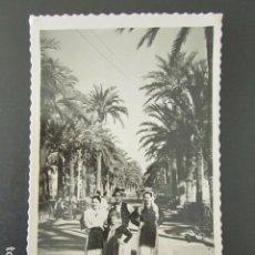 Postales: POSTAL ALICANTE. TRAJES REGIONALES EN LA EXPLANADA. CIRCULADA. AÑO 1955. . Lote 99640371