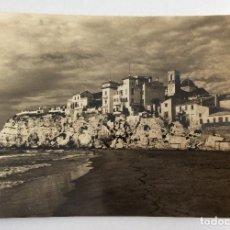 Postales: POSTAL FOTOGRÁFICA. PLAYA Y PUNTA. BENIDORM. ALICANTE.. Lote 105996815