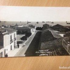 Postales: ANTIGUA POSTAL TORREVIEJA VISTA PARCIAL Y BAHIA FOTO DARBLADE ALICANTE. Lote 111673443