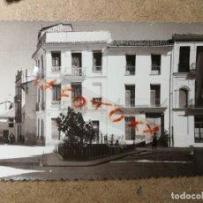Postales: POSTAL PUEBLO DE ALGEMESÍ. VALENCIA. PLAZA COMPOSITOR MORENO GANS. FOTO TALENS. Lote 132319946