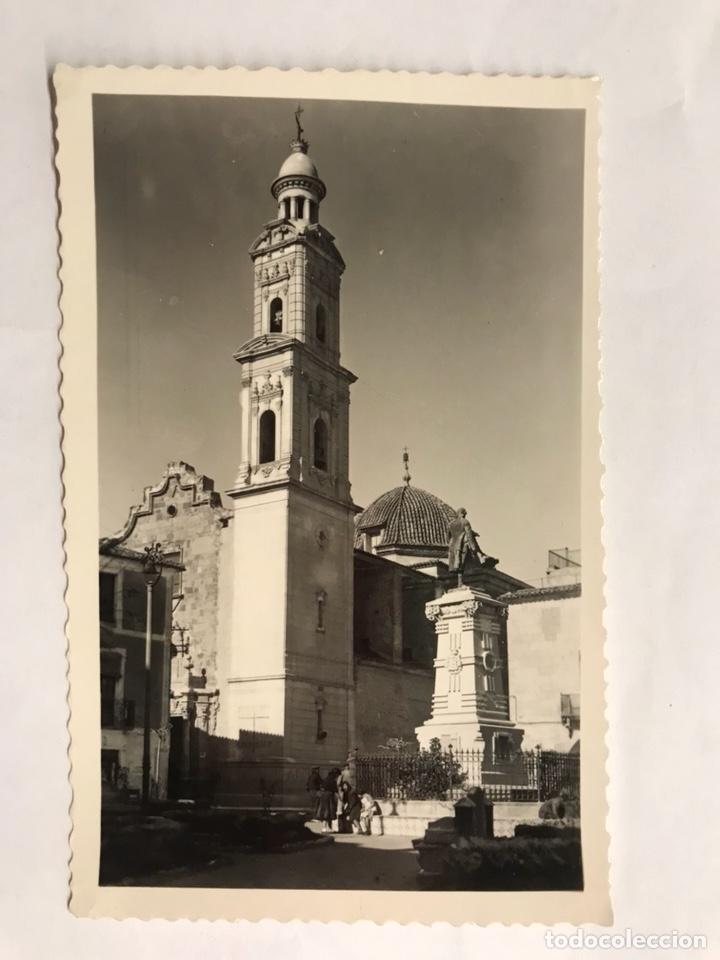 NOVELDA (ALICANTE) POSTAL. MONUMENTO A JORGE JUAN Y TORRE PARROQUIAL. EDITA: EDICIONES ARRIBAS (Postales - España - Comunidad Valenciana Moderna (desde 1940))