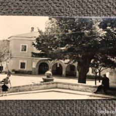 Postales: BEGIS (CASTELLÓN) POSTAL FOTOGRAFÍCA AYUNTAMIENTO. EDITA: FOTO GOMEZ. SEGORBE (H.1950?). Lote 135928710