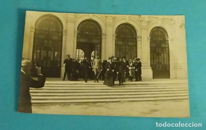 ¿REINA MARÍA CRISTINA? EN ¿VALENCIA?. SELLO EN SECO PALAU, CUARTE 19, VALENCIA (Postales - España - Comunidad Valenciana Antigua (hasta 1939))