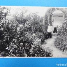 Postales: GODELLA, VALENCIA - UN JARDIN - POSTAL FOTOGRAFICA. Lote 139503470