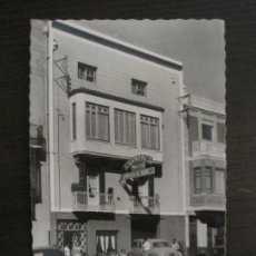 Postales: BENICARLO-HABITACIONES MATEU-HOTEL HOSTAL-COCHE MOTO-ED·GARCIA GARRABELLA-POSTAL ANTIGUA-(57.480). Lote 154027930