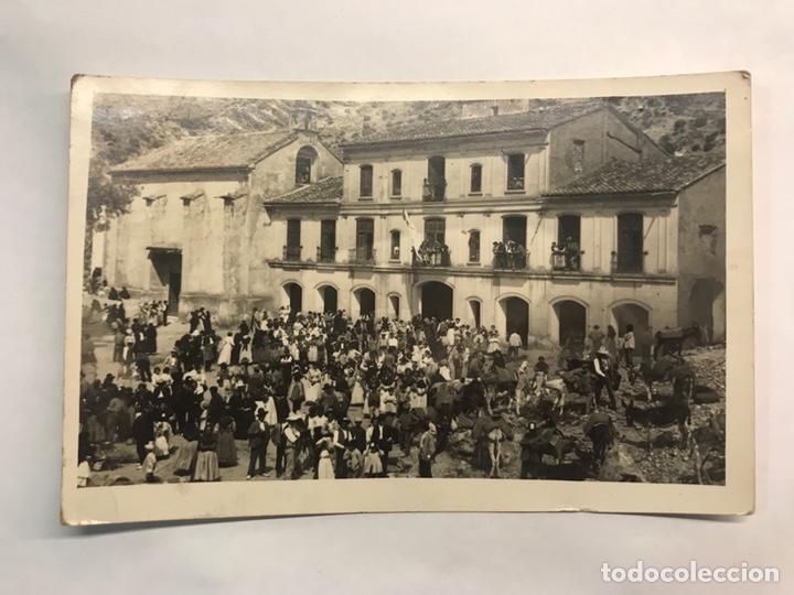 CHELVA (VALENCIA) POSTAL FOTOGRAFÍCA NO.69, ERMITORIO DEL REMEDIO EN EL DÍA DE SU FIESTA (A.1944) (Postales - España - Comunidad Valenciana Moderna (desde 1940))