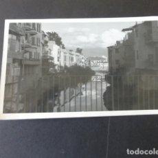 Postales: ORIHUELA ALICANTE POSTAL FOTOGRAFICA ASPECTO URBANO Y RIO. Lote 175455700