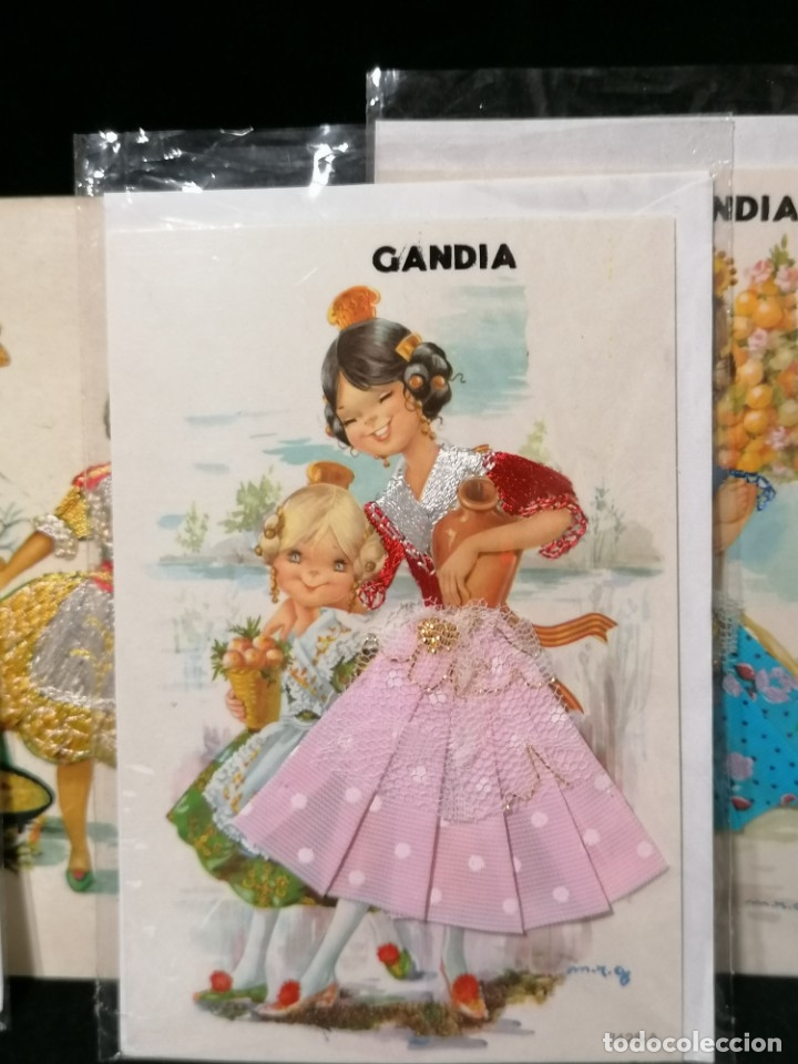 Postales: Antiguas postales valencianas de falleras con tela. Faldas con la tela y sin escritura. - Foto 5 - 177461092