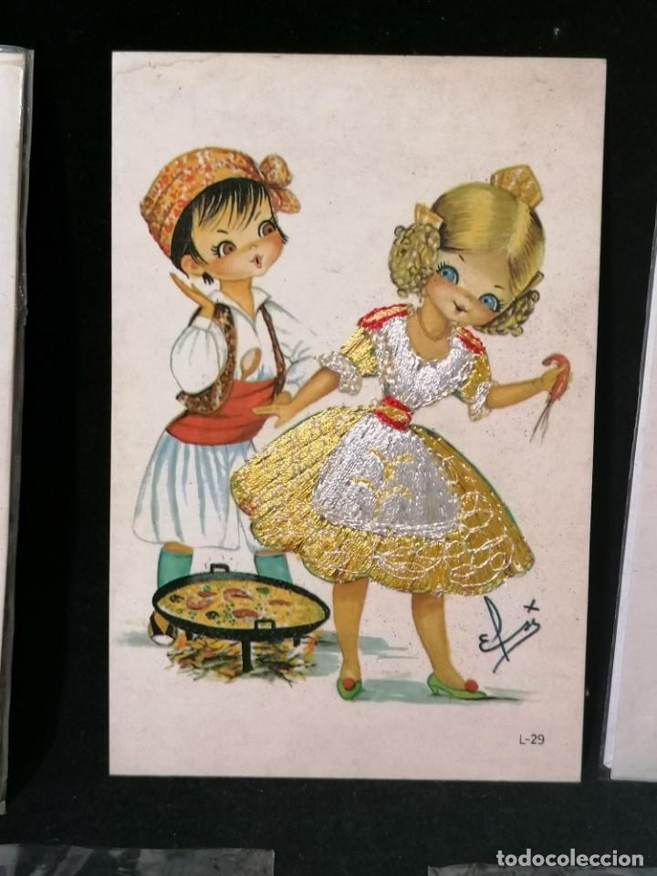 Postales: Antiguas postales valencianas de falleras con tela. Faldas con la tela y sin escritura. - Foto 8 - 177461092