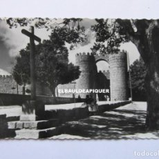 Postales: 11 AVILA. PUERTA DE SAN VICENTE. 1961. GARCIA GARRABELLA. CIRCULADA. CCTT. Lote 179535878