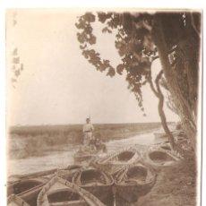 Postales: VALENCIA- GRUPO EN UNA BARCA, Y BARCAS. FOTOGRAFICA 1920.. VELL I BELL. Lote 182163917